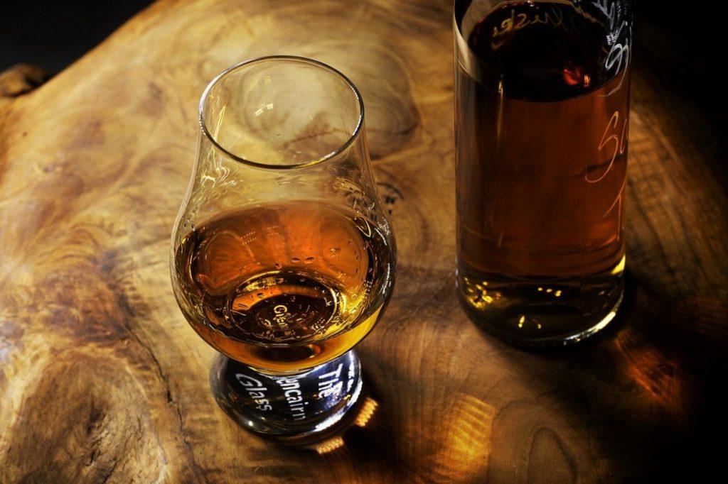 whisky drinken